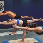 Бикрам йога избавляет от боли в спине