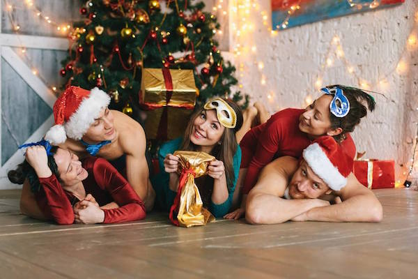 Бикрам йога в праздники
