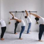 Класс Бикрам йоги состоит из мелочей