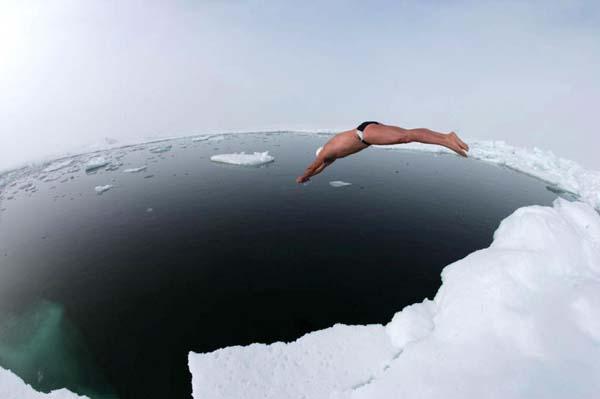 Владимир Довгань Счастливый. Прыжок в ледяную воду.