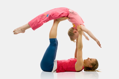 Семейная йога с Юлией Шелковиной.