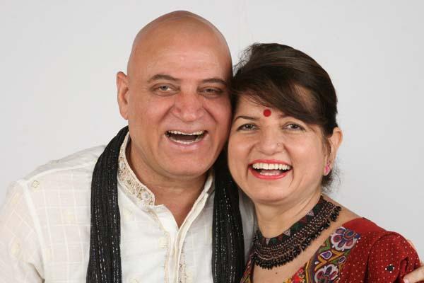 Доктор Мадана Катария с женой.