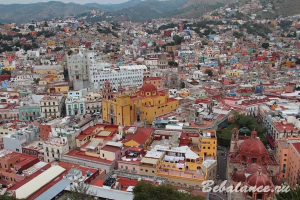Панарама города Гуанахуато, Мексика.