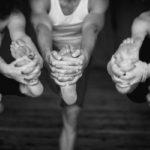 Класс Бикрам йоги = 26 асан + 2 дыхательных упражнения