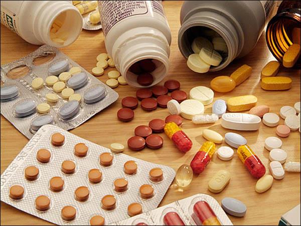 Таблетки, лекарства.