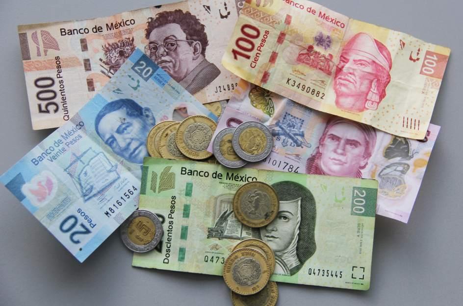 Деньги в Мексике.